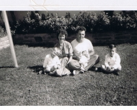 Capt. Perry Donaldson Wise and family